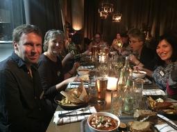Middag på lördagskvällen. Christian Nilsson, Marie Landell och Rebecca David.